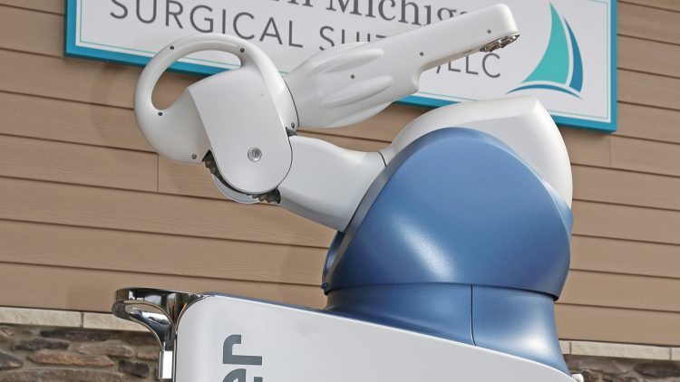 Bay Street Orthopaedics & Spine Introduces Robotic-assisted Joint Replacement Surgery